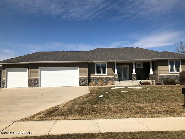 210 Stoneridge Lane NE, Owatonna, Minnesota