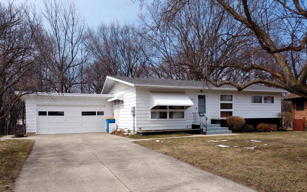 1232 Woodridge Place, Owatonna, Minnesota
