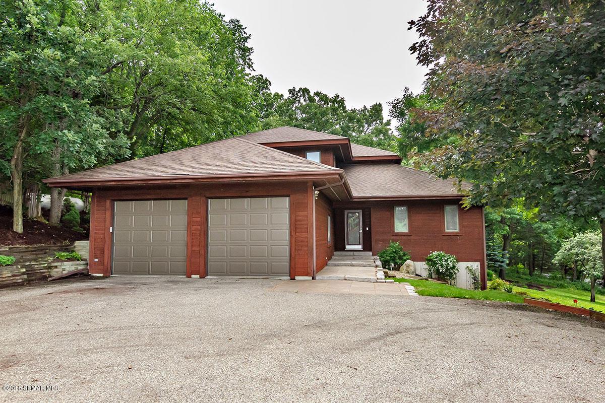 5937 Oak Meadow Lane NW, Rochester, Minnesota
