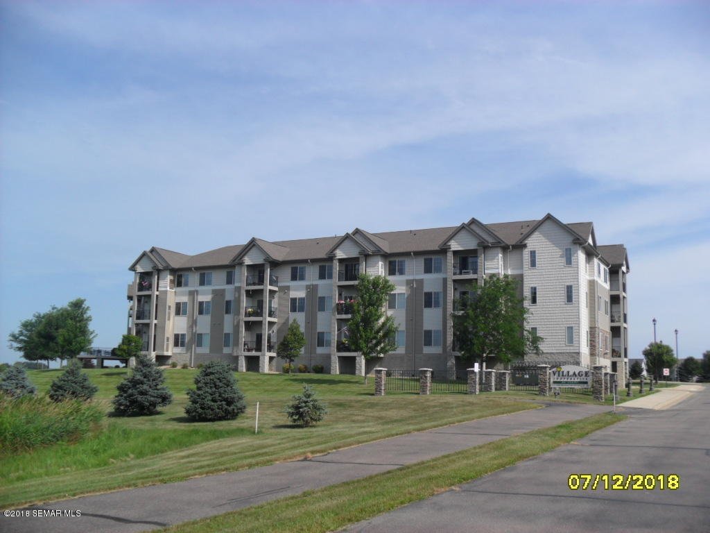 Townhome property for sale at 2301 10th Street NW 115, Austin Minnesota 55912