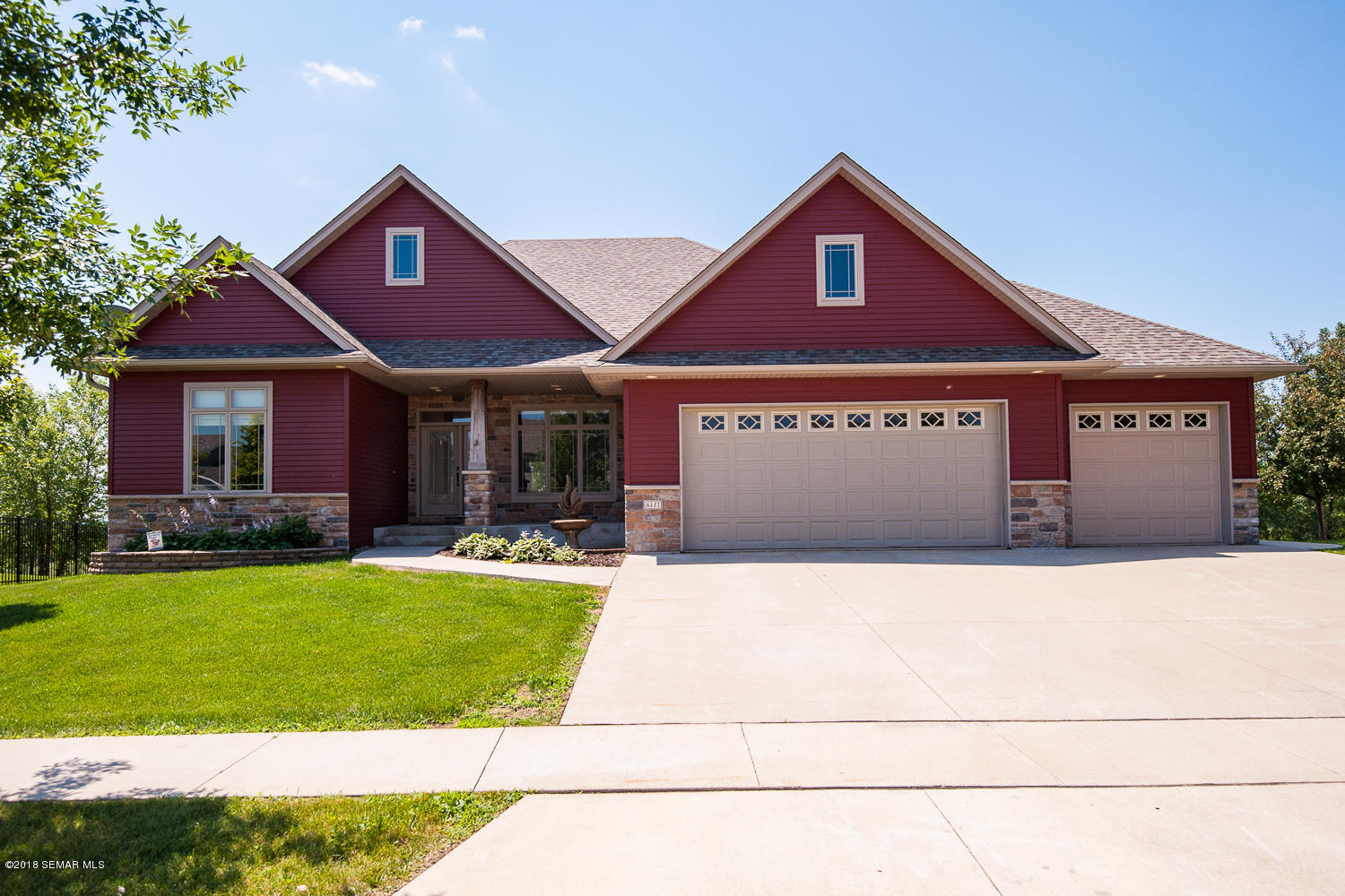 6413 Summit Pointe Road NW, Rochester, Minnesota