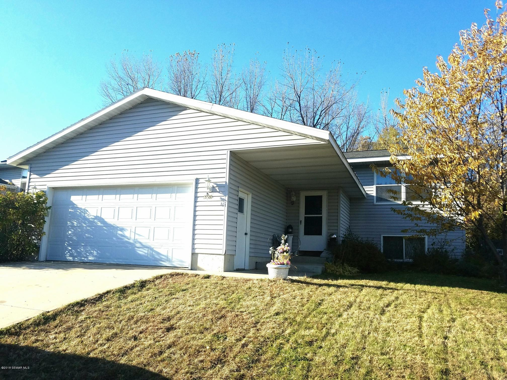 2885 Knollwood Drive SE, Rochester in Olmsted County, MN 55904 Home for Sale