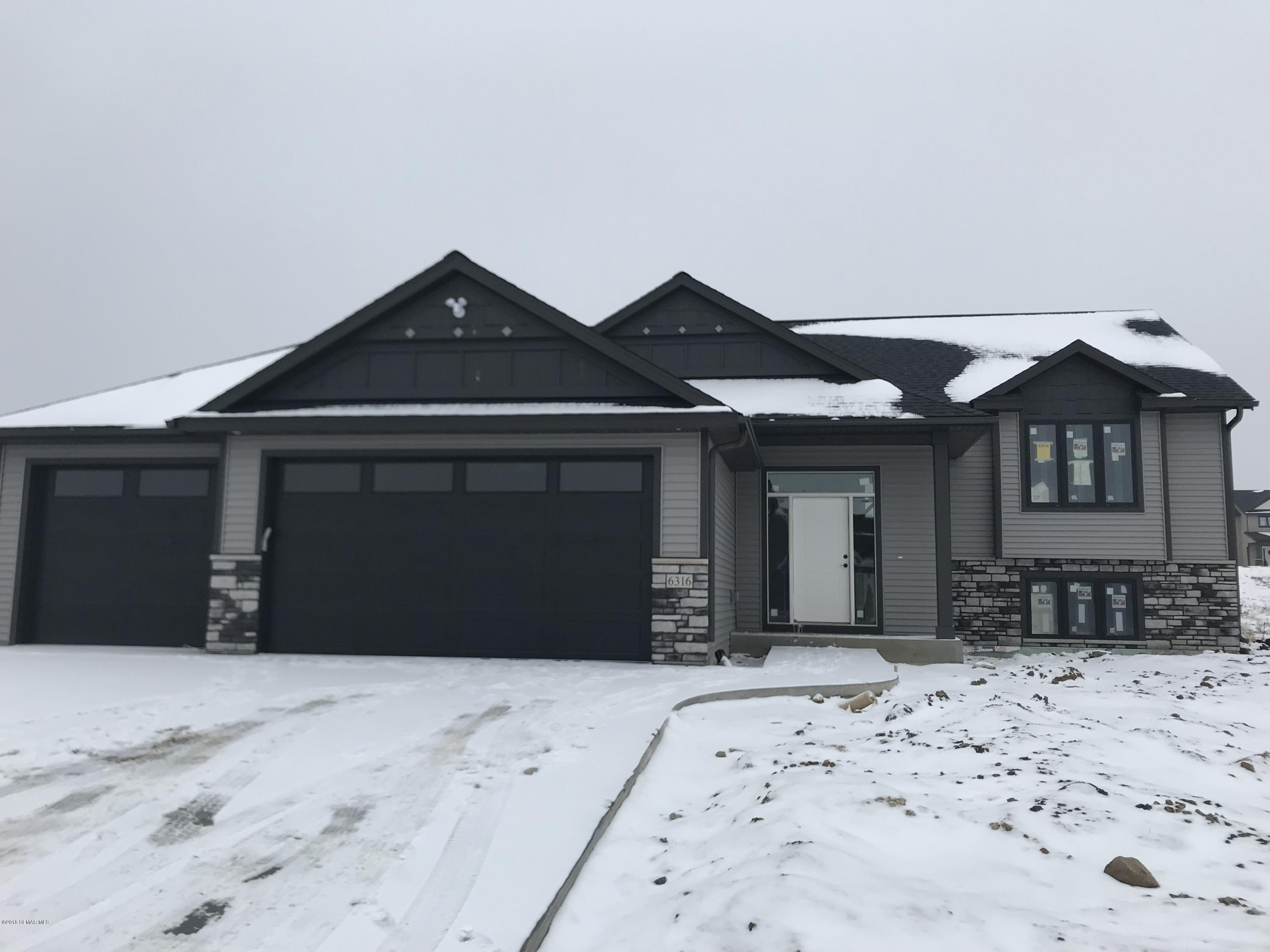 6316 Sunset Hill Place NW, Rochester, Minnesota