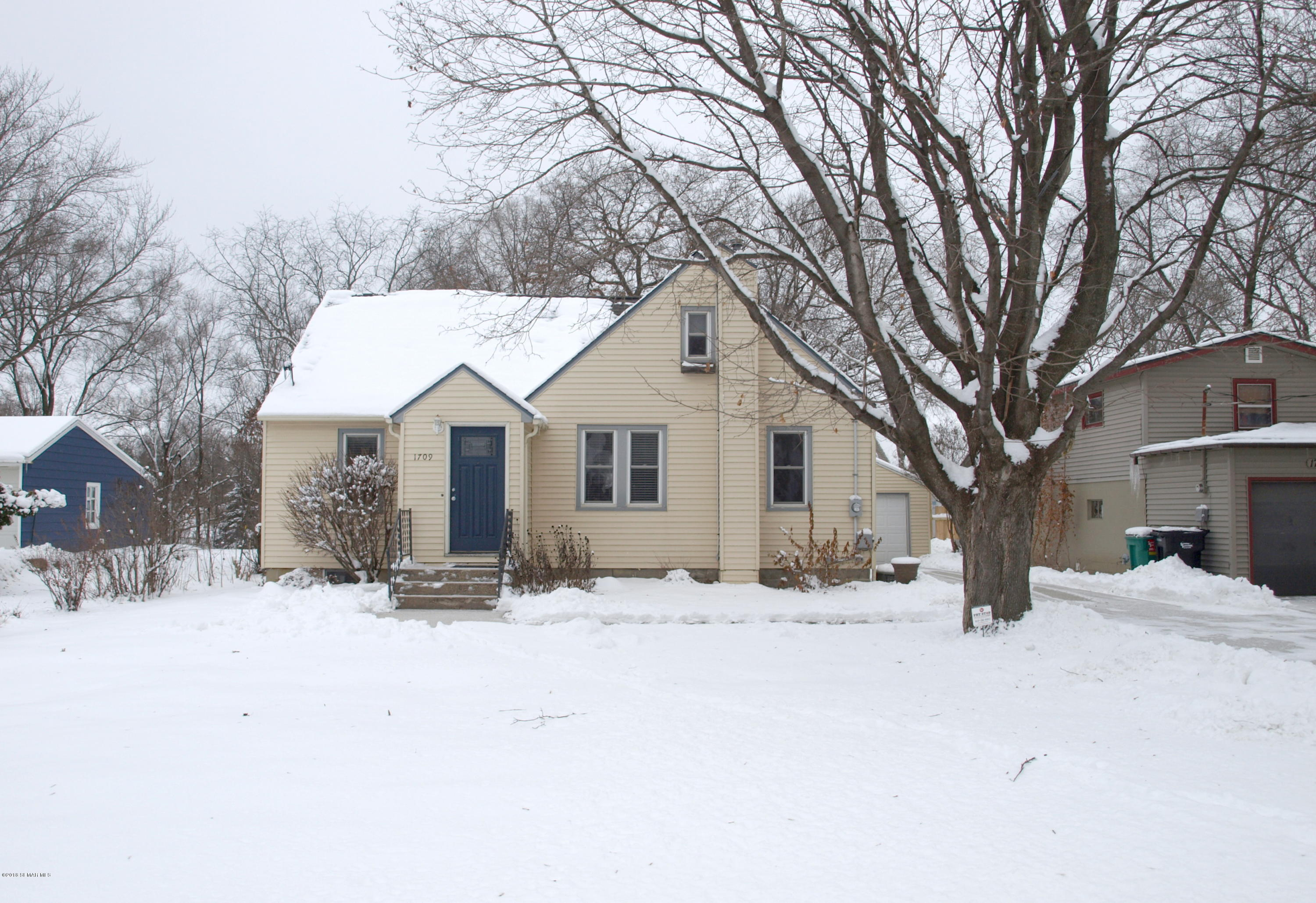 1709 4th Avenue SW, Rochester in Olmsted County, MN 55906 Home for Sale