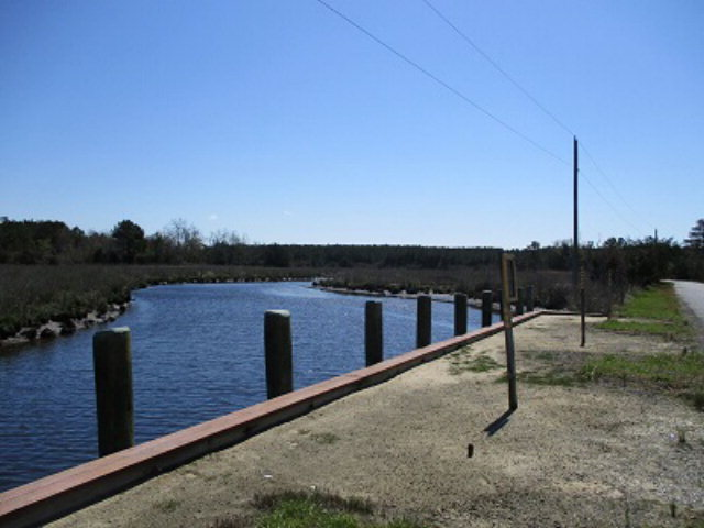 5 Muddy Creek Rd Bloxom, VA 23308