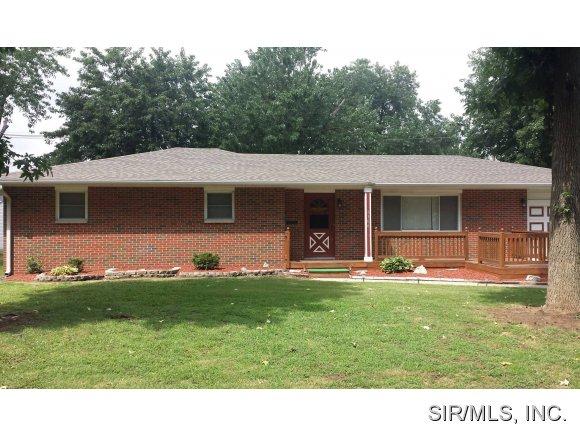 Real Estate for Sale, ListingId: 29211370, Wood River,IL62095
