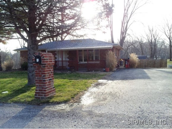 7 Pleasant View Pl, Caseyville, IL 62232