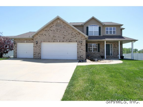 216 Star Ln, Glen Carbon, IL 62034