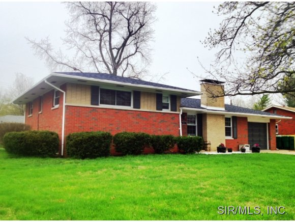 307 S Smiley St, O'Fallon, IL 62269