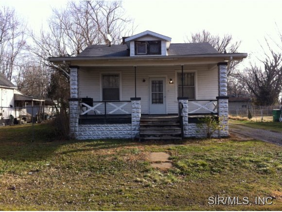 1230 N 50th St, East Saint Louis, IL 62204