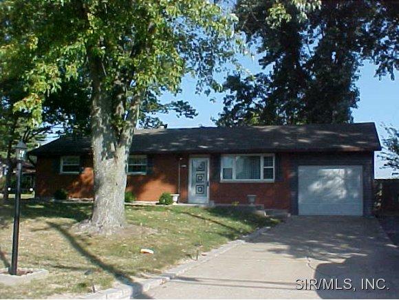 5411 Humbert Rd, Alton, IL 62002