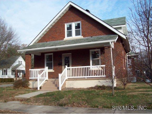 1703 Pine St, Highland, IL 62249