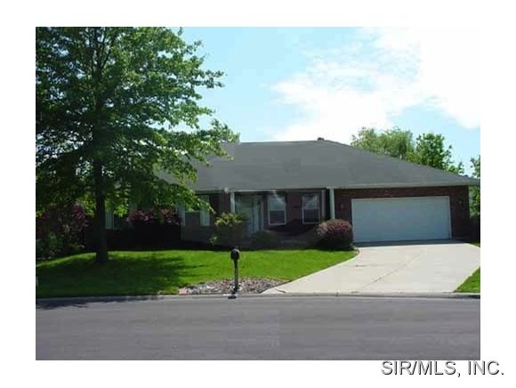 Rental Homes for Rent, ListingId:26263750, location: 2431 GREENFIELD Drive Belleville 62221