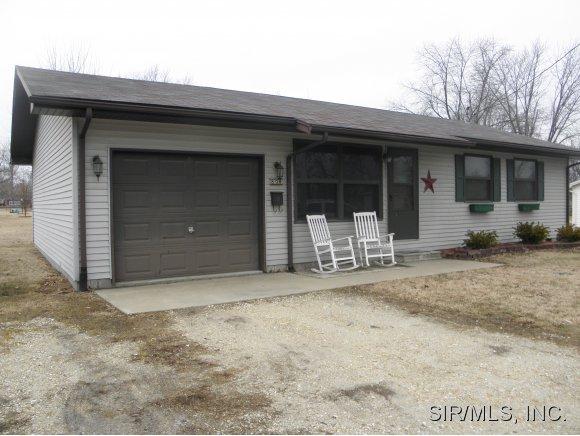 804 Sumner St, Jerseyville, IL 62052