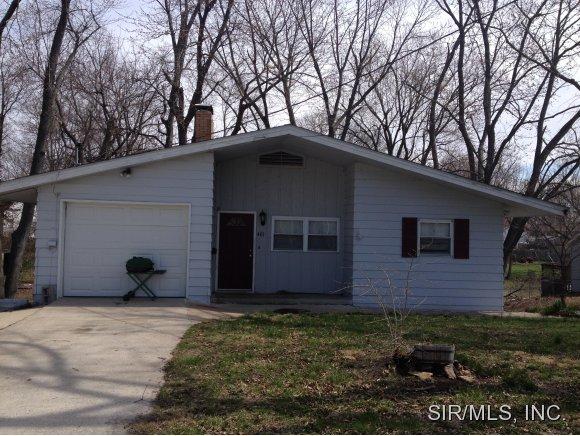 401 Pleasant St, Jerseyville, IL 62052