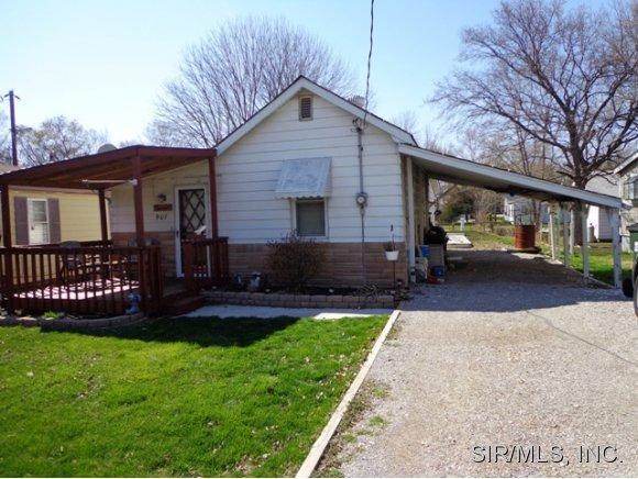 907 Adams Rd, East Carondelet, IL 62240