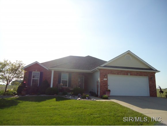 216 Sarah Ct, Waterloo, IL 62298