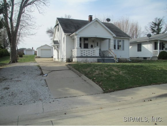 516 W Bottom Ave, Columbia, IL 62236