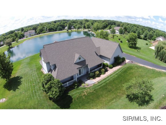 22 Country Lakes Ln, Waterloo, IL 62298