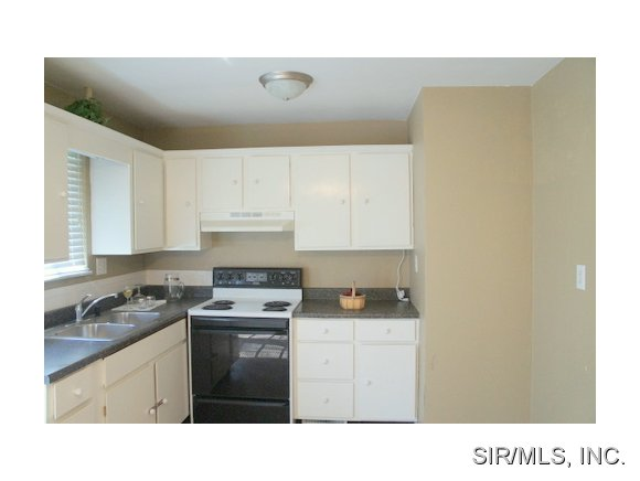 Rental Homes for Rent, ListingId:28160537, location: 4 GERRI ANN Drive Belleville 62220