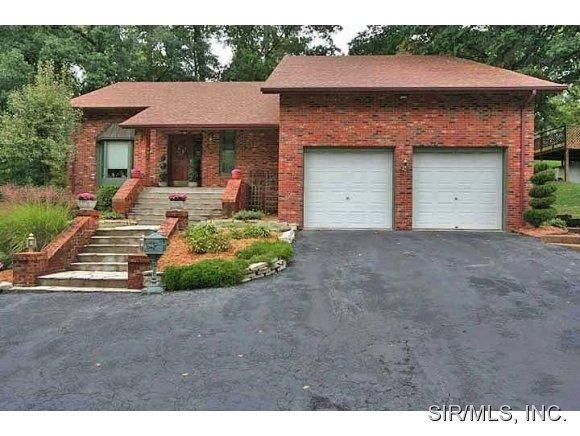 Rental Homes for Rent, ListingId:28629148, location: 32 WINDSOR Drive Belleville 62223
