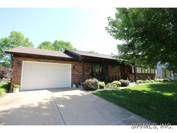 511 Mary Dr, Waterloo, IL 62298