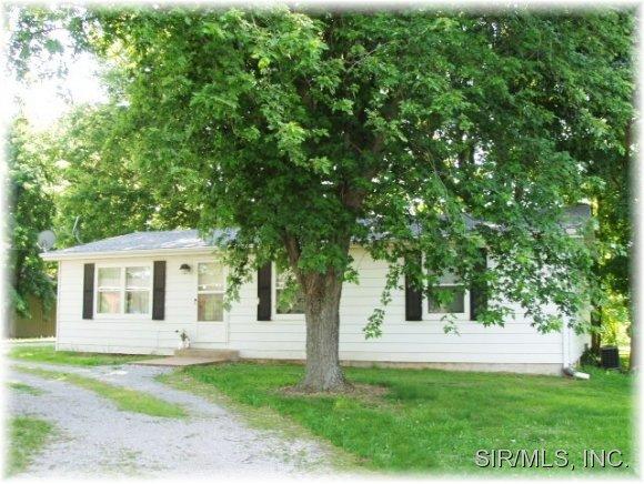 8979 Plum Creek Rd, Sparta, IL 62286