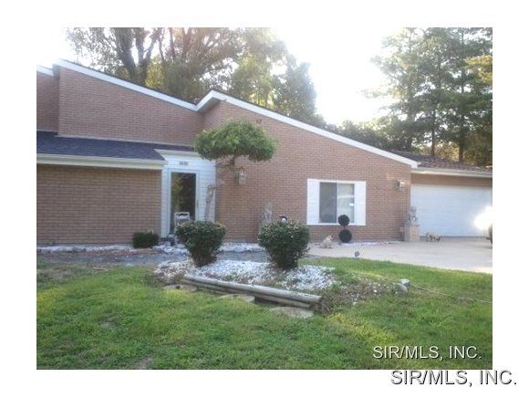 Rental Homes for Rent, ListingId:28893184, location: 12 HILLWOOD Drive Caseyville 62232