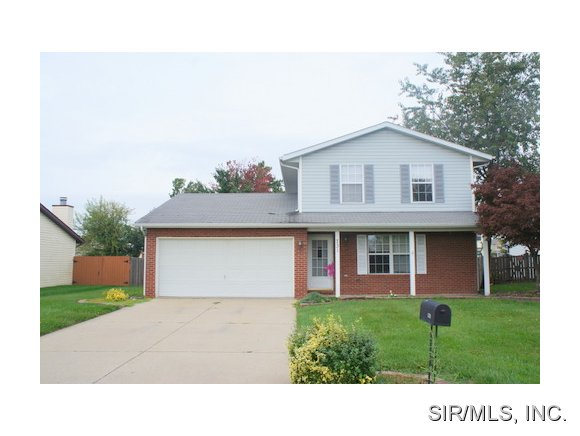 Rental Homes for Rent, ListingId:28902282, location: 731 COUNTRY MEADOWS Lane Belleville 62221