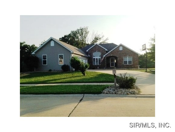 1210 Eagle Ln, Grafton, IL 62037