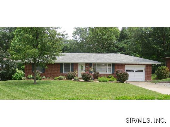 Real Estate for Sale, ListingId: 29034821, Godfrey,IL62035