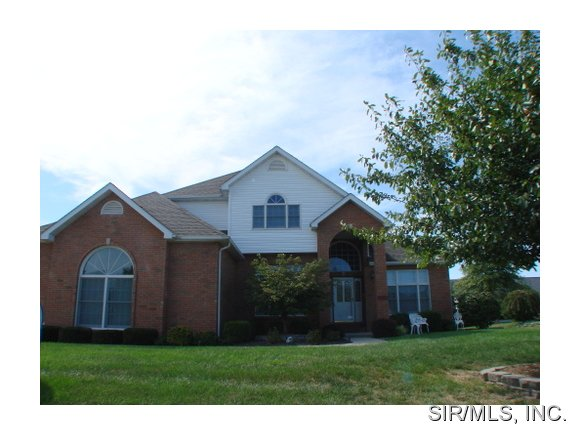 Rental Homes for Rent, ListingId:29050478, location: 1135 FOX RUN Mascoutah 62258
