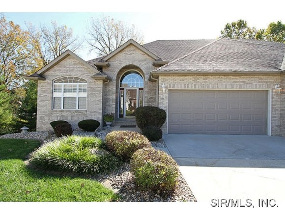 84 Ginger Creek Pkwy, Glen Carbon, IL 62034