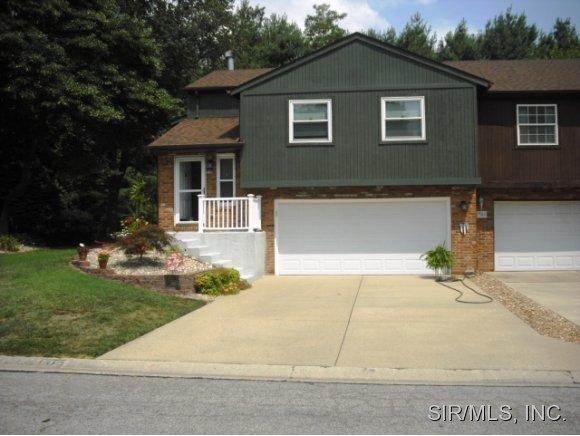 1310 Ridgewood Ct, Collinsville, IL 62234
