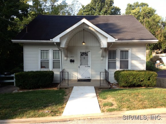 Rental Homes for Rent, ListingId:29452951, location: 2213 SANFORD Alton 62002