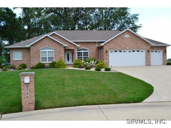 Real Estate for Sale, ListingId: 29452929, Breese,IL62230
