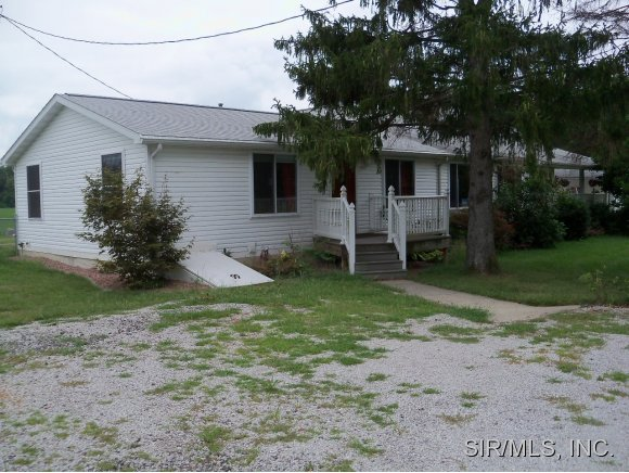 Real Estate for Sale, ListingId: 29452944, Staunton,IL62088