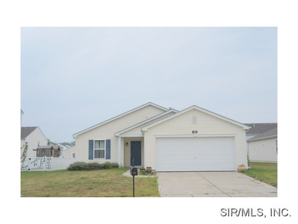 Rental Homes for Rent, ListingId:29452953, location: 1413 AUTUMN LAKES Lane Mascoutah 62258