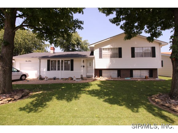 309 Charles St, Red Bud, IL 62278