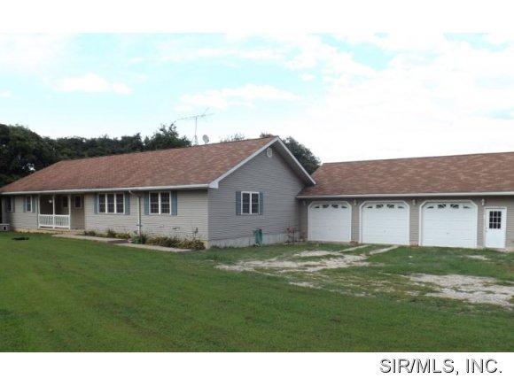 17172 Yates Rd, Grafton, IL 62037