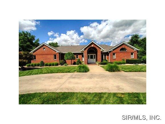 Real Estate for Sale, ListingId: 29775338, Godfrey,IL62035