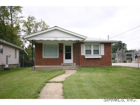 Rental Homes for Rent, ListingId:29932761, location: 221 North SEMINARY Street Collinsville 62234