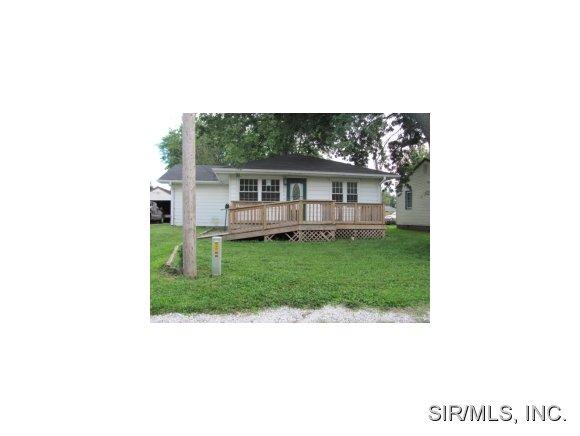 504 Snedeker St, Jerseyville, IL 62052