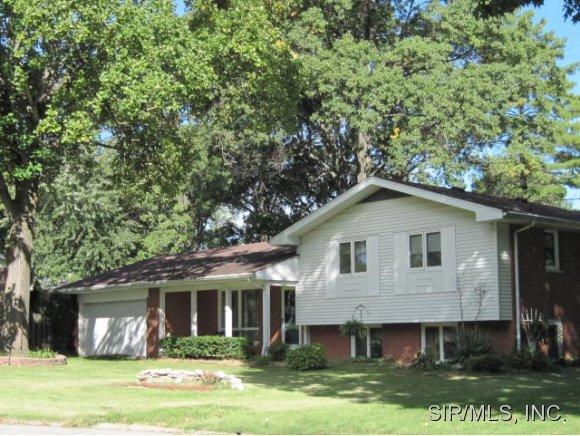 Real Estate for Sale, ListingId: 30010077, Godfrey,IL62035