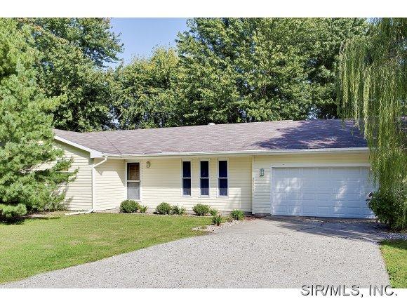 23360 Mimi St, Jerseyville, IL 62052