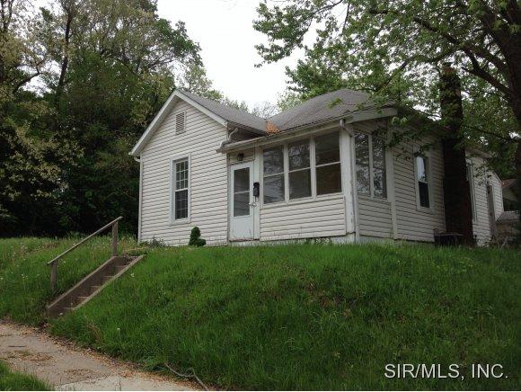 Rental Homes for Rent, ListingId:30220239, location: 825 EASTON Alton 62002