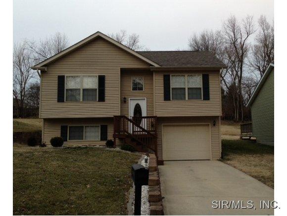Rental Homes for Rent, ListingId:30278329, location: 917 VINE Street Collinsville 62234
