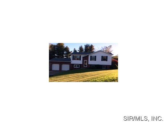 Real Estate for Sale, ListingId: 30332461, Godfrey,IL62035