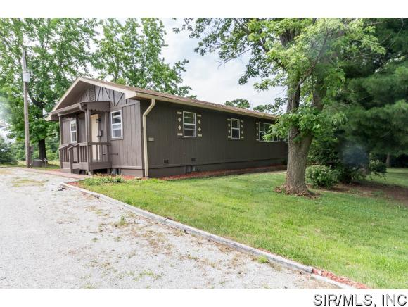 1818 Columbia Quarry Rd, Columbia, IL 62236