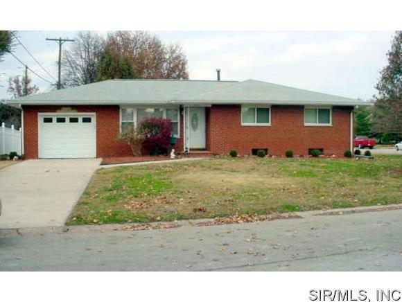Real Estate for Sale, ListingId: 30745206, Wood River,IL62095
